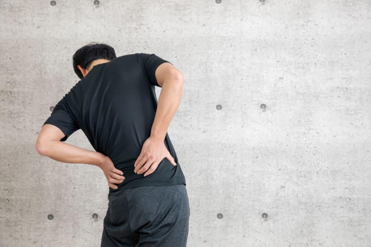 男性椎間板ヘルニア坐骨神経痛