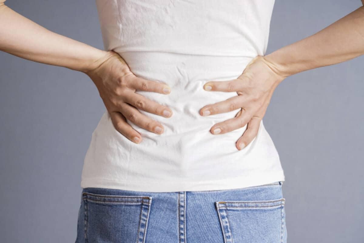 急性腎盂腎炎の背中の痛み